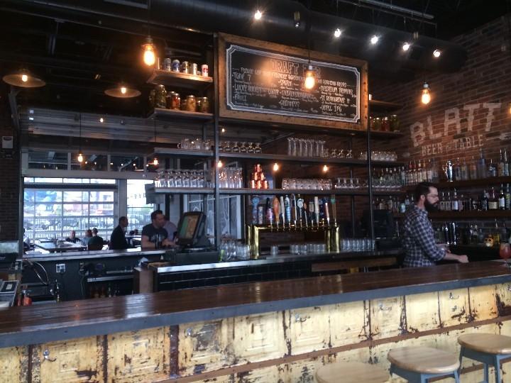 Blatt Beer & Table