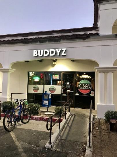 Buddyz A Chicago Pizzeria