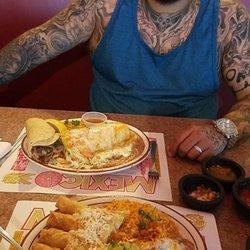 Los Lupes Restaurant 2
