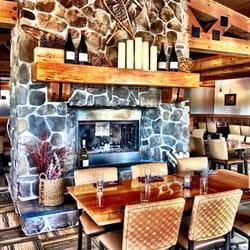 Canoe Restaurant & Tavern